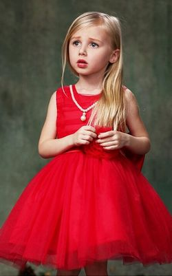 Girls red dress whit...