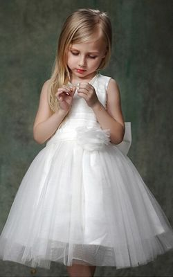 Girls white dress wh...